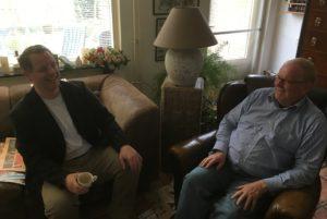 Koffie (later wijn) met mijn vader. Van een oud-raadslid, oud fractievoorzitter en voormalig lijsttrekker van het CDA moet je het leren hè